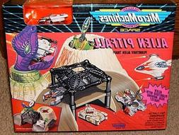 Alien Pitfall Space Micro Machines Playset
